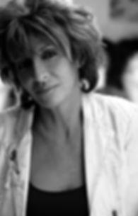 sophia maillard, formatrice coach conseil image, personal shopper, maquilleuse, conferenciere relooking, image soi, consultant en image, dermopigmentation, mricroblanding