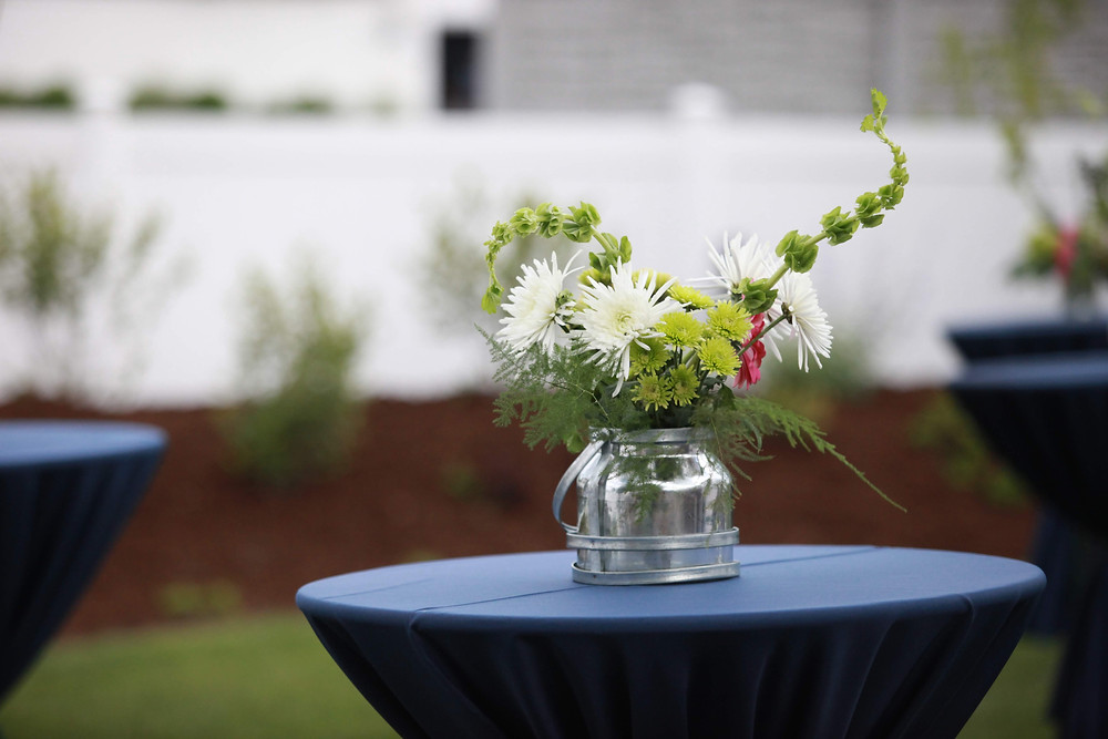floral arrangement, Colorado wedding planner