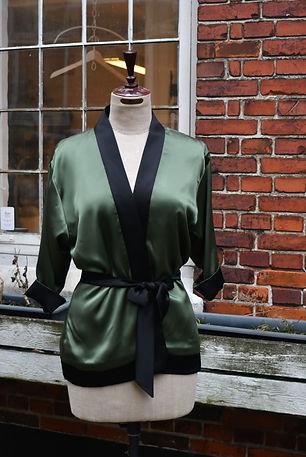 Vendbare silke kimonoer lavet af skrædder Lise Oxvang