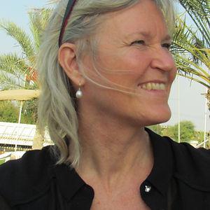 Skrædder Lise Oxvang er placeret i København og er specialiseret i forandring af brudekjoler