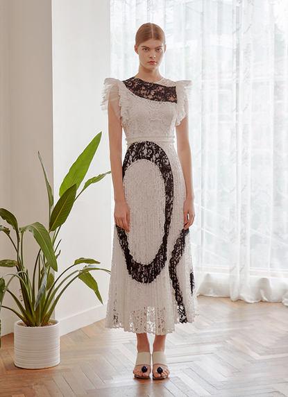 HANGUL PLEATS LACE DRESS