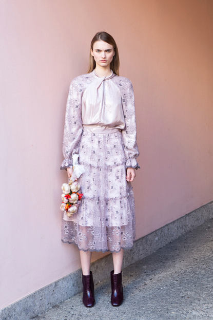 FRONT KNOT TOP / INVERNO CHANTILLY LACE SKIRT