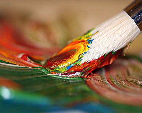Colorful_macro_Paint_brush_painting-1296