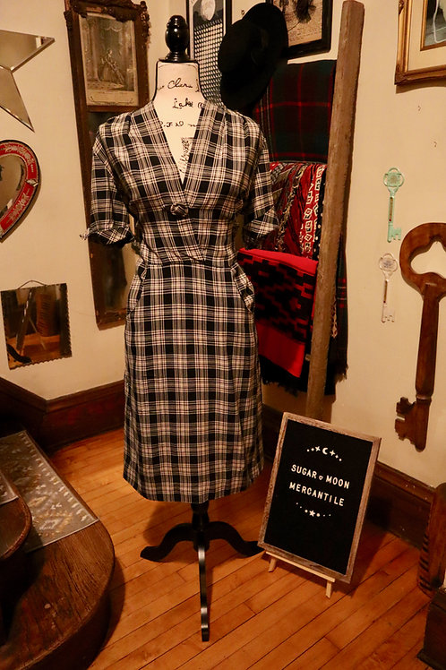 1940s Black and White Plaid Cotton Shirt Waist Dress