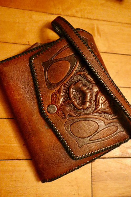 1920s Art Nouveau Tooled Leather Wristlet Purse