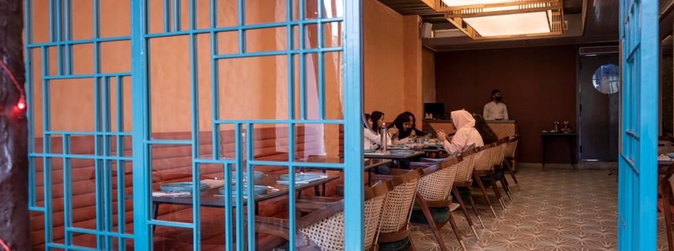 Threshold between Indoor and outdoor seating