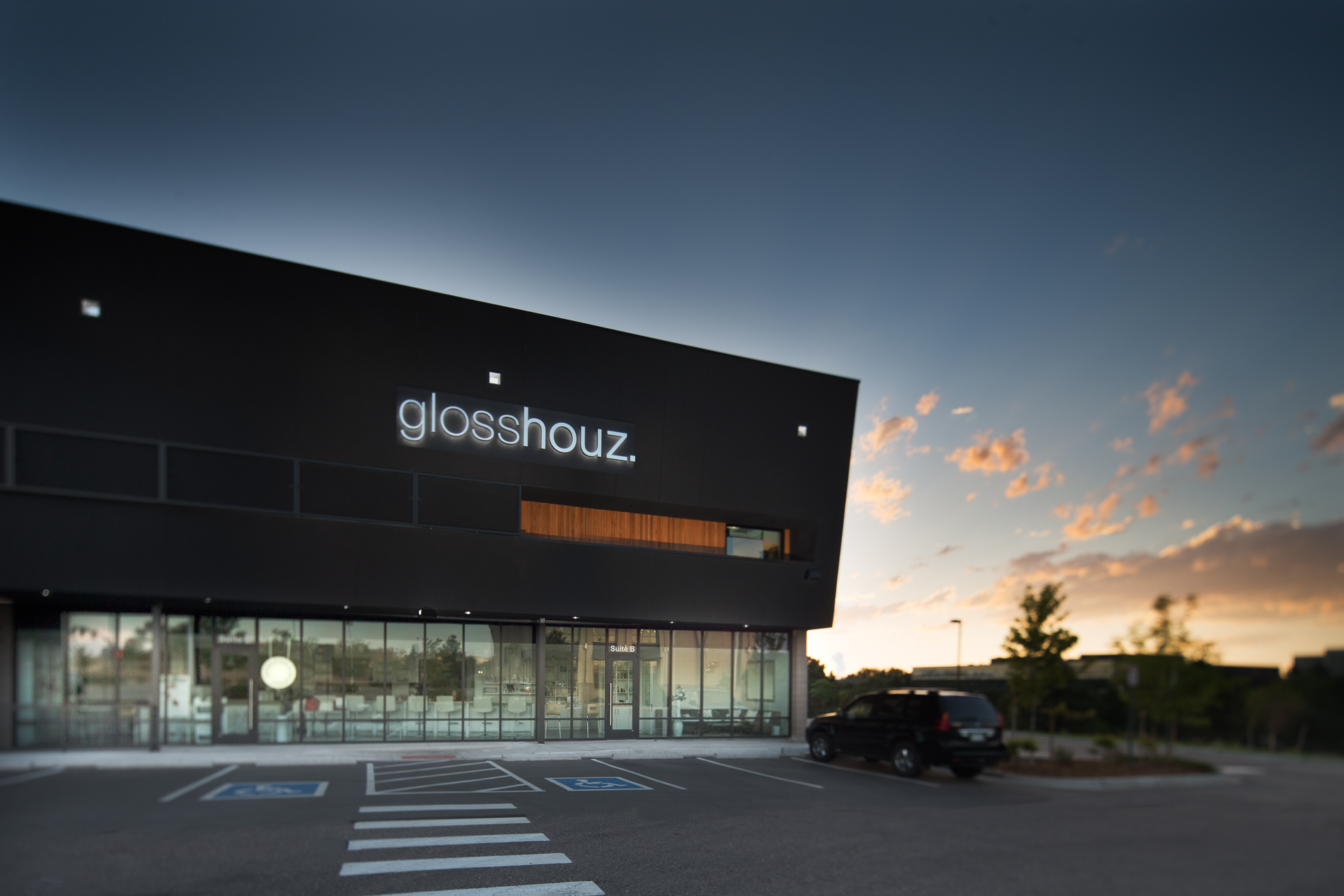 Glosshouz near Park Meadows Mall