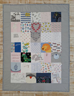 Medium Quilt with Border