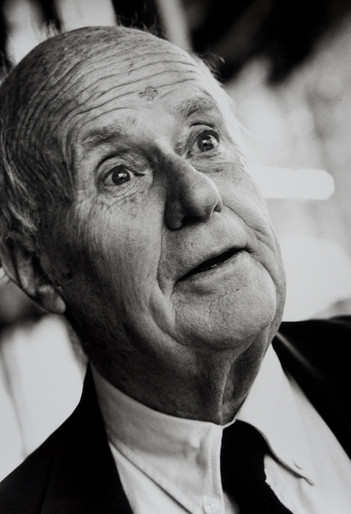 Jean Rouch , documentary filmer