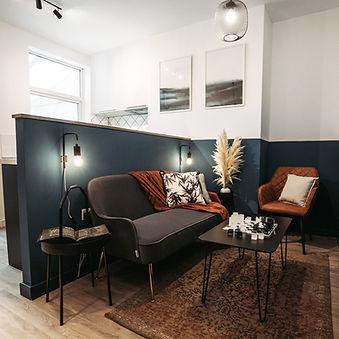 Lounge_Pano_sq_desat.jpg