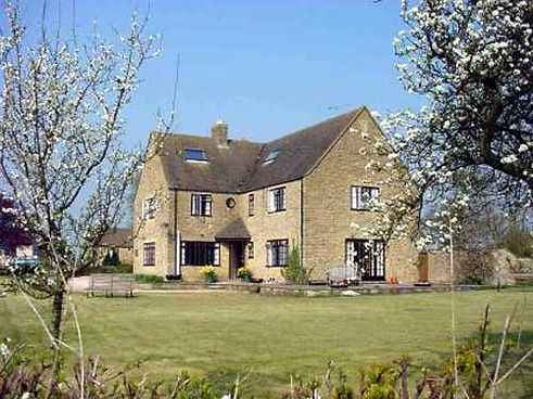 Banbury Hill Farm - Local Accommodation for Sue Hazell Sewing Tuition