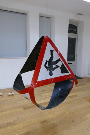 4 Plastic Triangle Road Signs