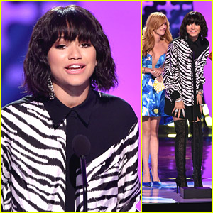 Zendaya Teen Choice Awards 2014