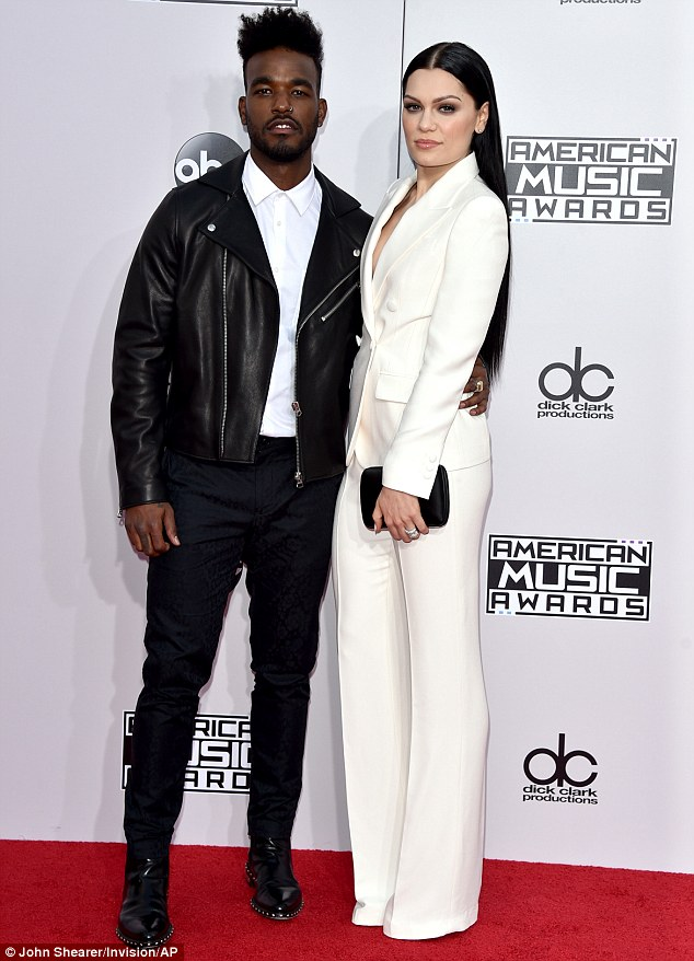 Jessie J. Luke James 2014 AMAs