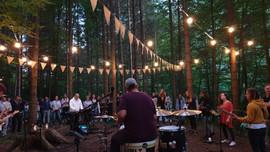 Wald Worship mit Grace Hood powerd by Life Church Worship