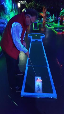 Neon Minigolf Event