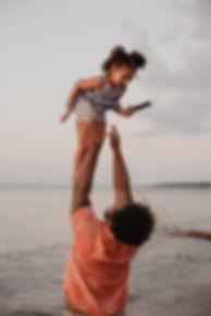 father-and-child-having-fun-2833394.jpg