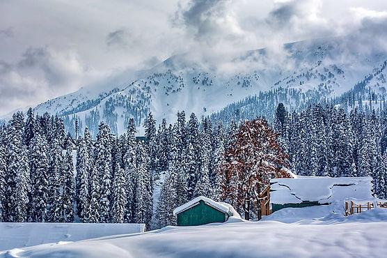 happy-snow-fall-kashmir-murree-pakistan-