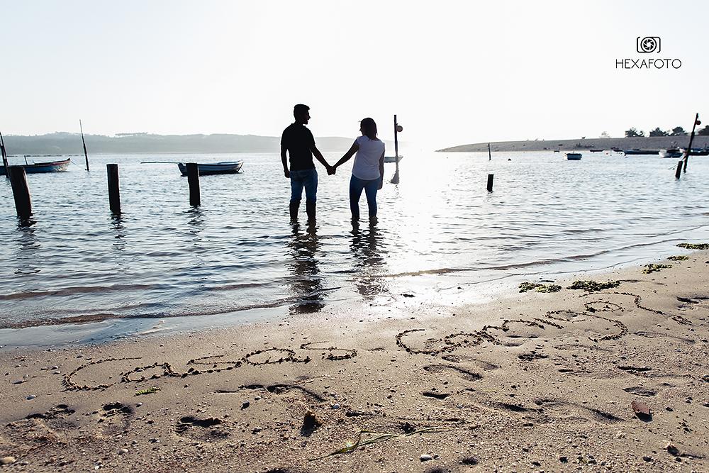 Lovers on the beach, by nightfall