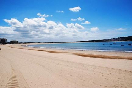 Extensive beach of Sao Martinho do Porto, Portugal
