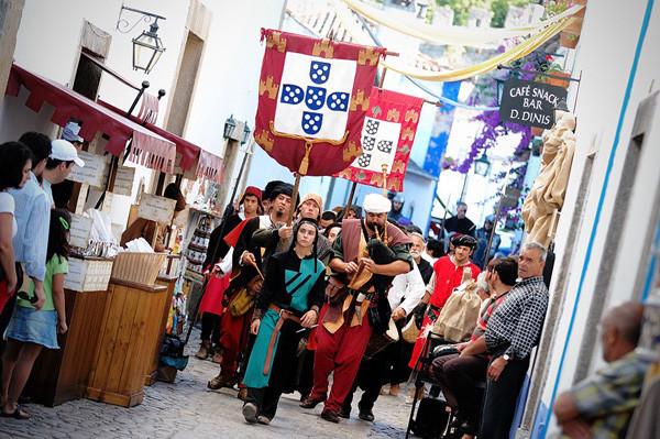 Medieval market at Obidos, close to the holiday villa in Portugal casa do lago