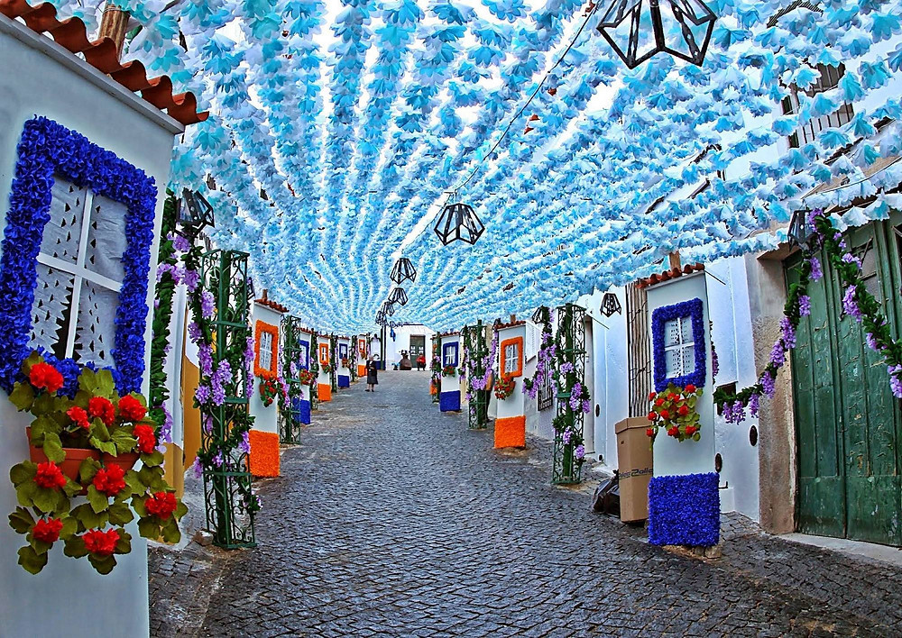 Stay at Casa do lago and visit the Flowers festivities of Campo Maior, Portugal