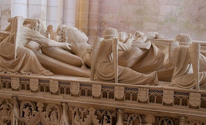 Ines Tomb: The lady's death body crowned as Queen of Portugal