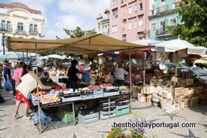 Caldas da Rainha daily fruit market.jpg