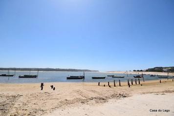 small boats in the beach of Foz do Arelho