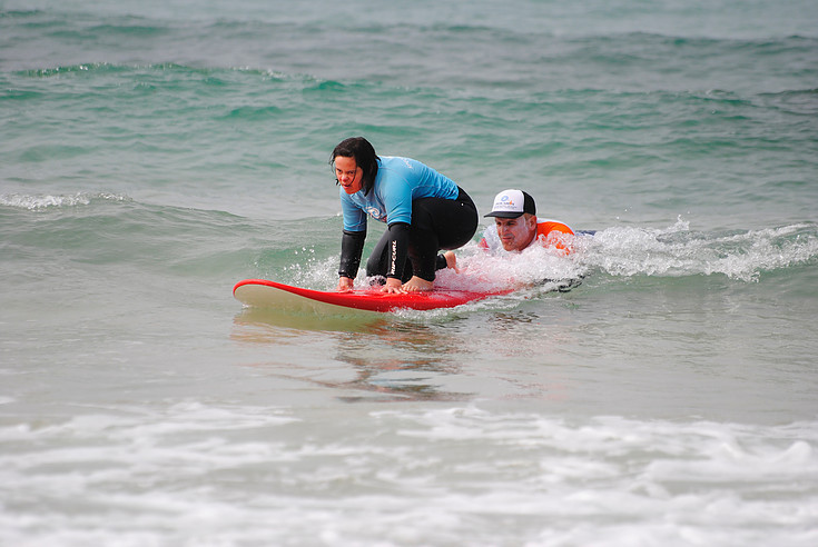 Stay at the disabled adapted villa Casa do Lago to profit from surf lessons for disabled