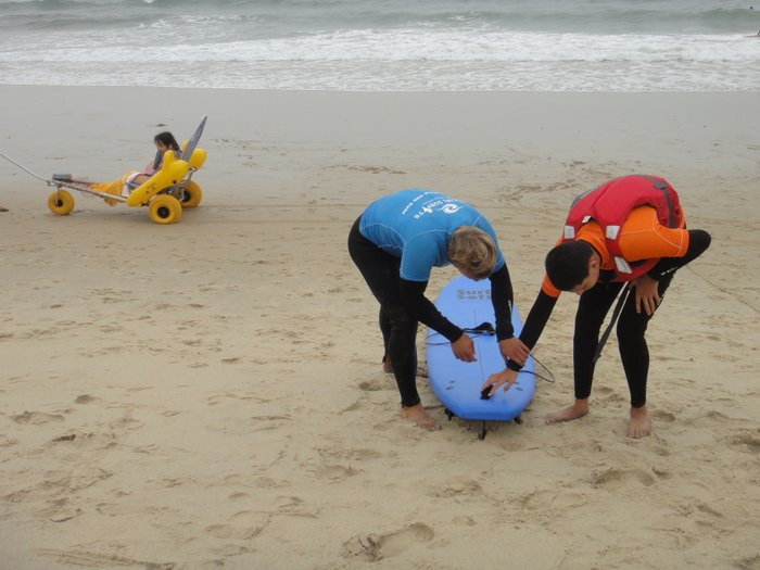 Surf lessons for disabled in Portugal, near the wheelchair adapted villa Casa do Lago