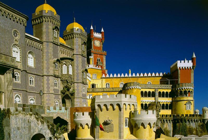 The amazing Palace of Pena, near the holiday villa Casa do Lago, Portugal