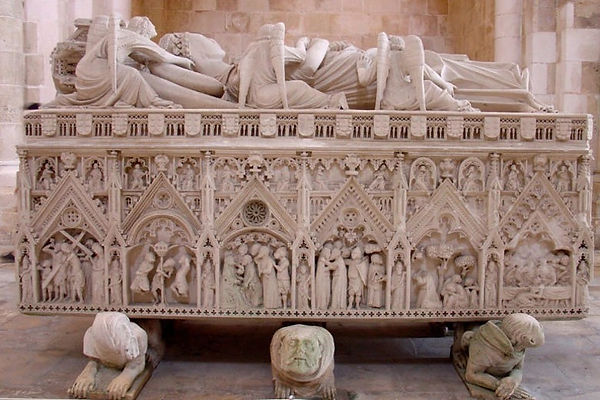 Tomb of Pedro and Ines, the famous medieval lovers