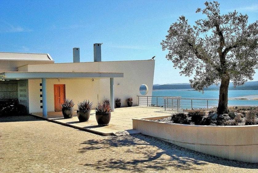 Main balcony at the entrance of Casa do Lago family holidays portugal villa to rent, disabled villa