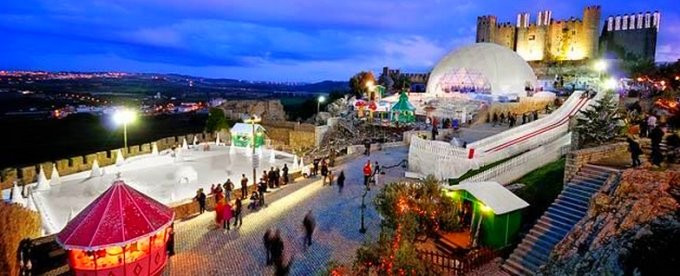 Christmas festivities at Obidos, near the villa Casa do Lago