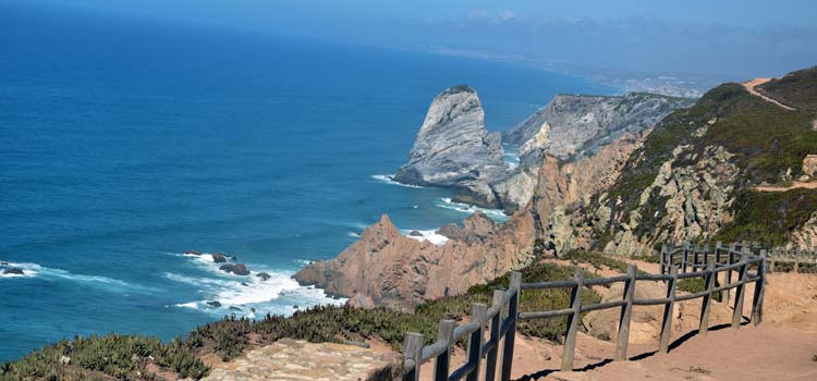 Stay at the villa Casa do lago to visit Cabo da Roca, the westernmost point of Europe