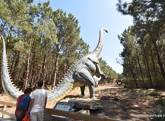 Dinosaur life size statues at Dino Park