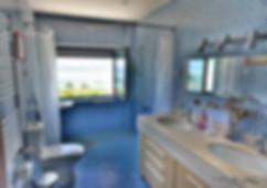 Second Disabled accesible bathroom in Casa do Lago Holiday Villa