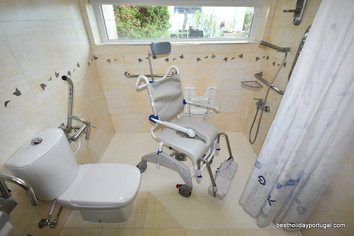 Tilting bath chair, to help persons with upper back stability issues