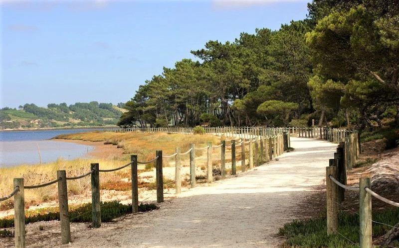 walking promenade, nature holidays Portugal