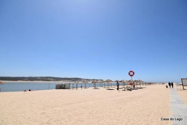 Lifeguard beach of Foz do Arelho