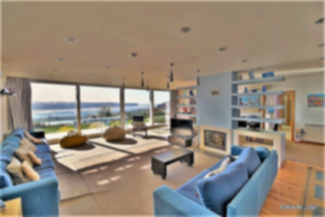 Spacious lounge: luxury family holidays