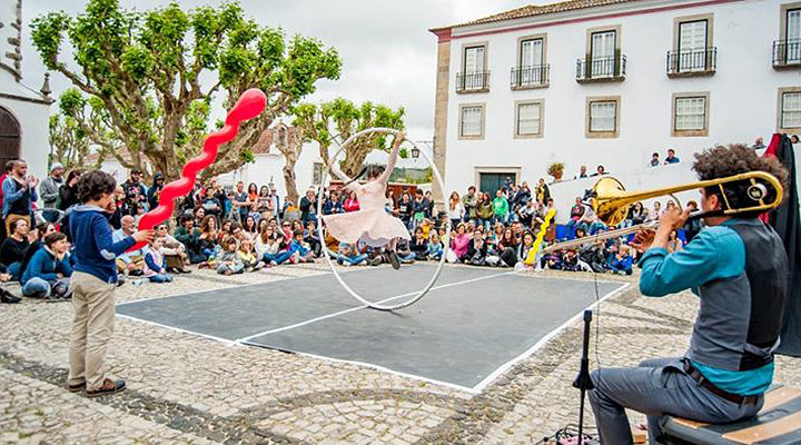 International Buskers Festival in the medieval village of Obidos