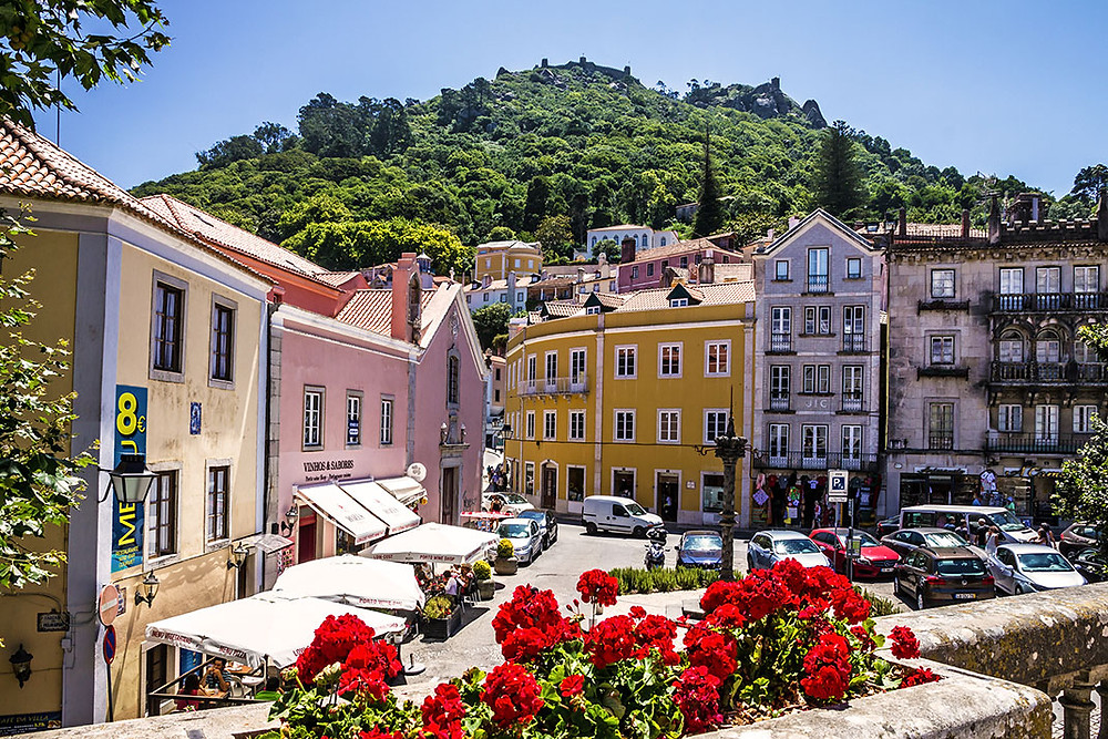 Sintra downtown, at one hour from Casa do Lago