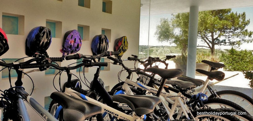 16 bikes in Casa do Lago: villas for large family Portugal