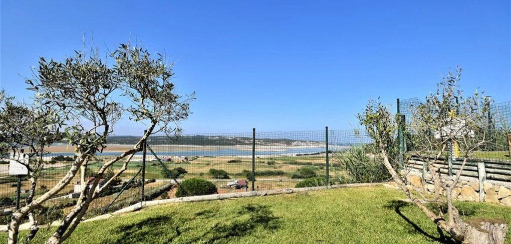 ids friendly villa: enclosed garden