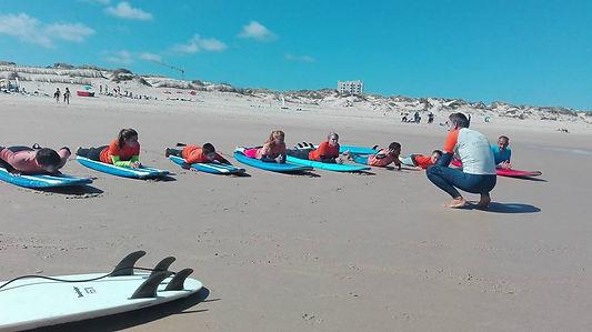 surf lesson on the beach of Foz do Arelho
