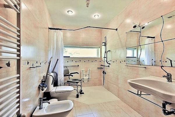 luxury bathroom for wheelchair villa holidays