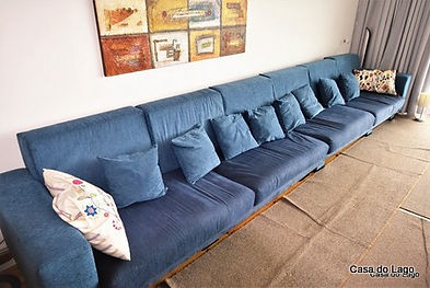 big sofas units to allow more free space in the family living room
