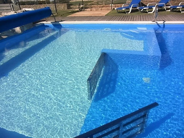 kids pool area in the holiday villa to rent in portugal